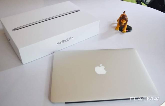 Apple Laptops MacBook pro , MacBook Air