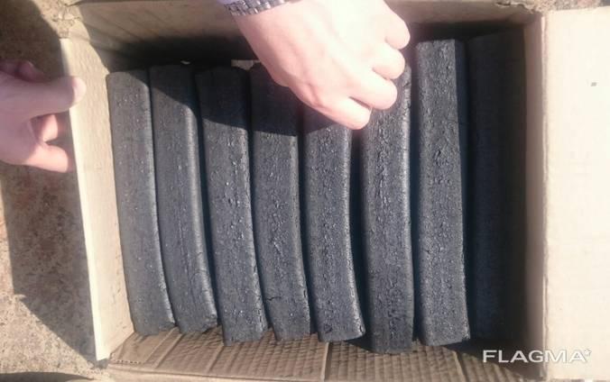 Charcoal briquette pini kay